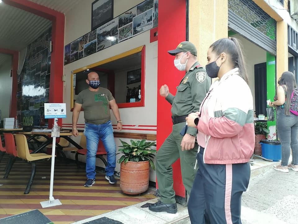 MARSELLA AUTORIZADA POR EL GOBIERNO NACIONAL: Para la atención en sitio de sus establecimientos comerciales.